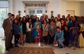 Reception hosted in Embassy residence for Hindi students in Caracas