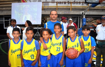 Donation by the Embassy to the Super 8 Basketball Association of Venezuela.