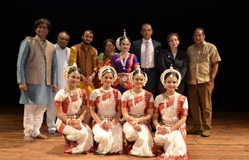 Odissi dance group from India visited Caracas to perform on the occasion of the  70th anniversary of India's independence and FILVEN.