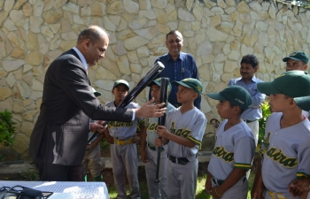 The Embassy donated baseball equipment to the children's baseball team from Araira, Miranda State.