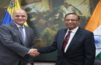 Ambassador of India to Venezuela H.E. Rajiv Kumar Nagpal met the Venezuelan Minister of Oil, H.E. Mr. Manuel Quevedo Fernandez on October 24, 2018 and discussed about bilateral cooperation in the Oil sector.